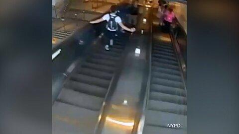 اقدام خشن مرد آمریکایی در مقابل زن جوان روی پله برقی + فیلم